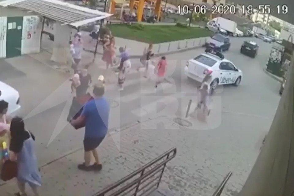 Участников инцидента разыскивает полиция.