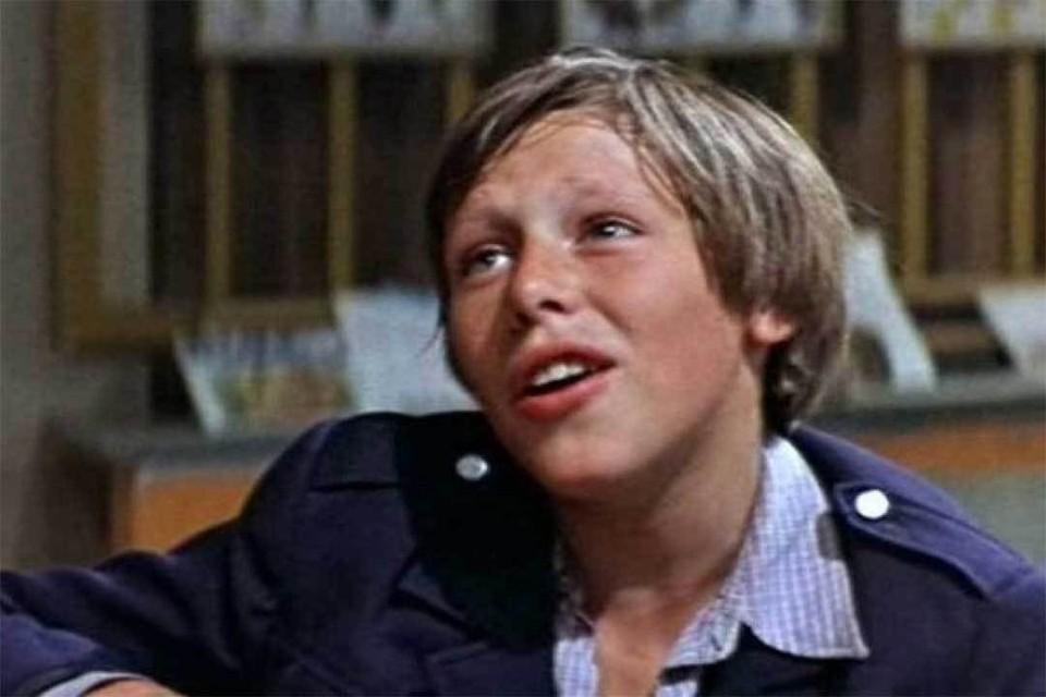 На съемках фильма «Когда я стану великаном» юный Миша украл деньги, чтобы погасить карточный долг. Фото: Кадр из фильма.