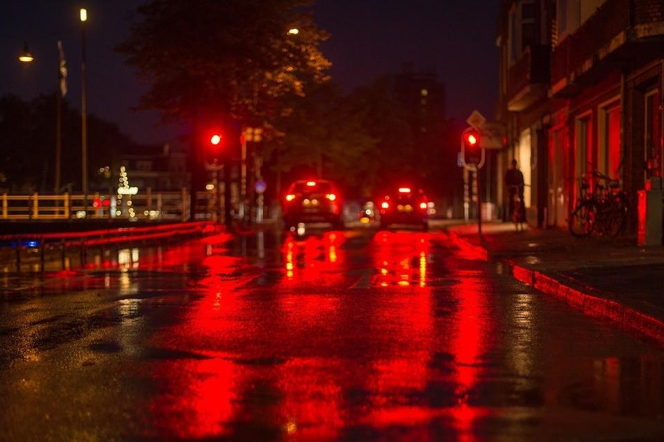 На улице Чаркова в Тюмени отключат светофоры. Фото - pixabay.com.