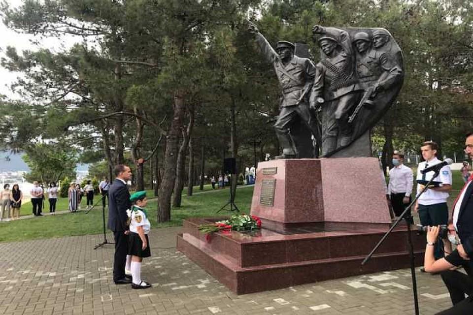 В Геленджике открыт памятник героям-десантникам. Фото пресс-службы администрации КК
