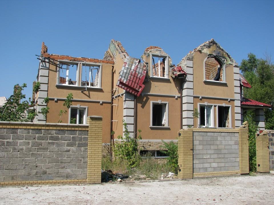 Украинские боевики продолжают обстреливать жилой сектор