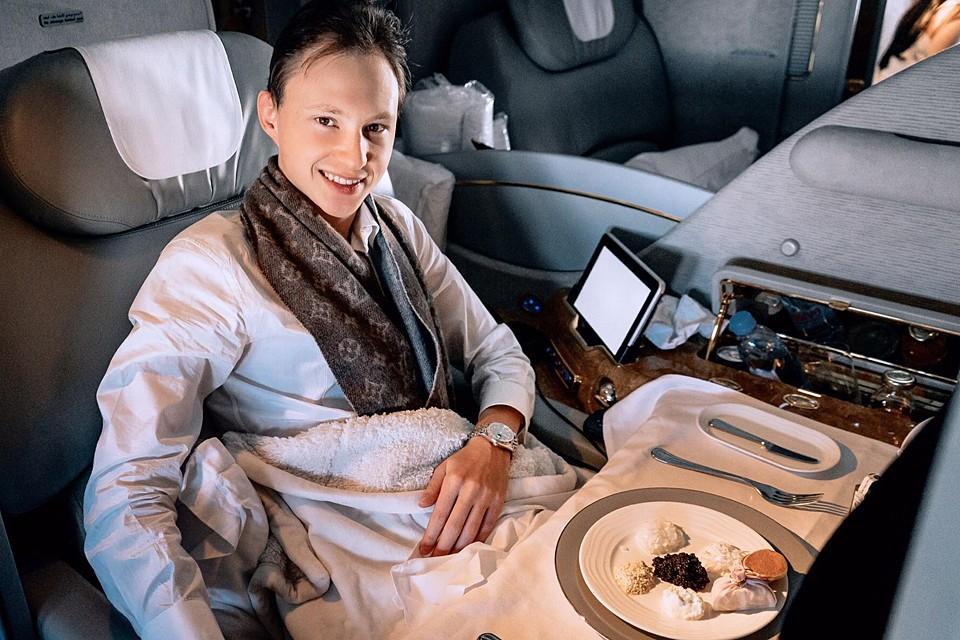 Пожалуй, самый раскрученный миллионер из соцсетей, 23-летний Артем Маслов