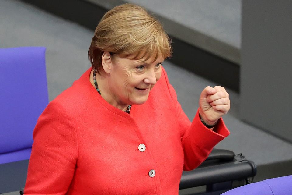 Ангела Меркель защитила трубопровод в Бундестаге