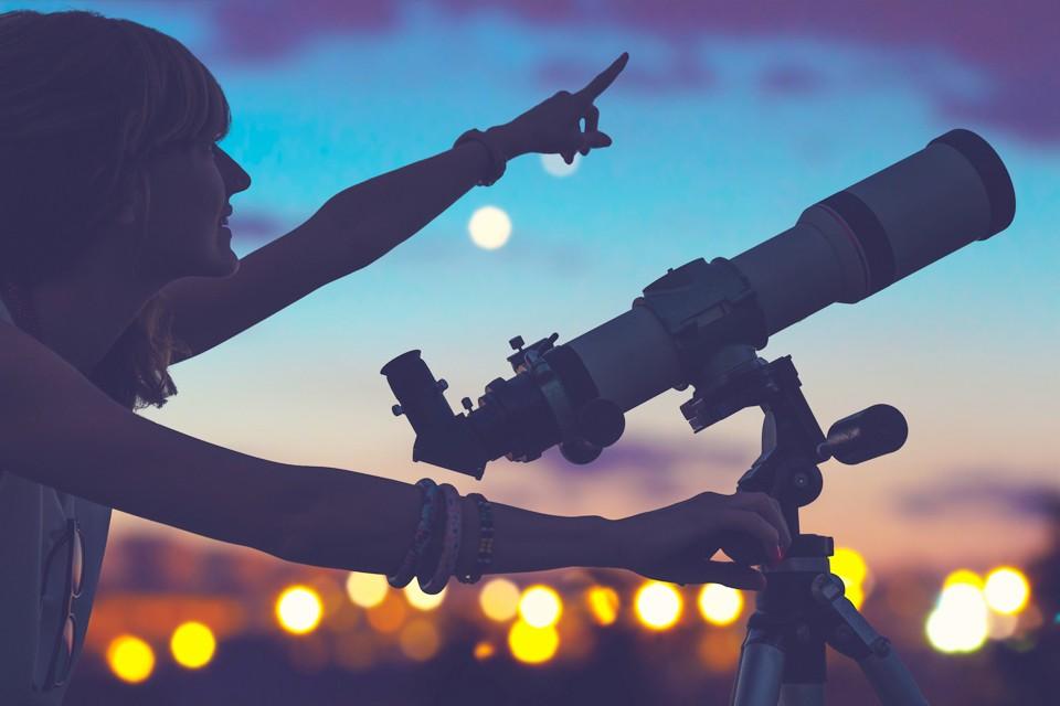 """Большие планеты """"построятся"""" по одну сторону от солнца"""