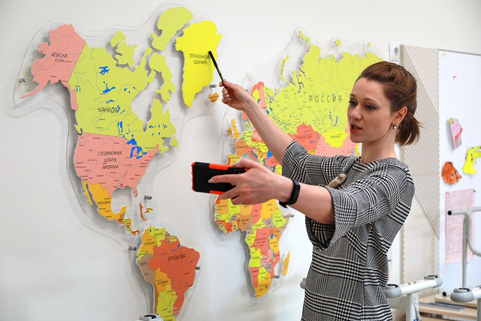 Стало известно о новом проекте Минпросвещения по созданию и введению Цифровой образовательной среды (ЦОС).