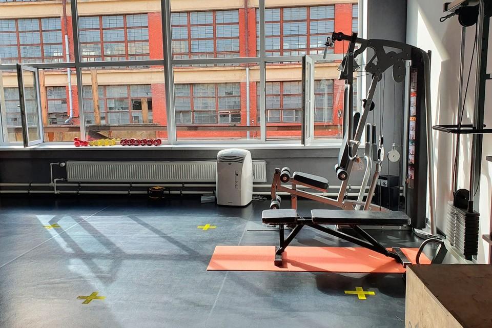 Залы в фитнес-клубах Санкт-Петербурга пустовали больше трех месяцев.