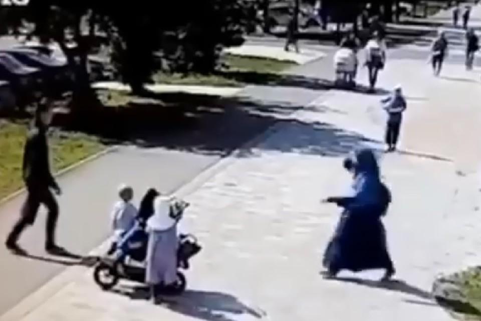 Мужчина нападал, в том числе, и на матерей гулявших в парке с детьми.
