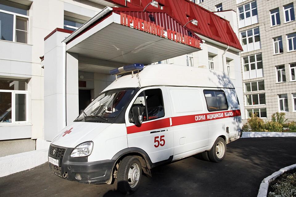 В больницу был доставлен 54-летний Сергей с диагнозом: закрытая черепно-мозговая травма и перелом глазницы