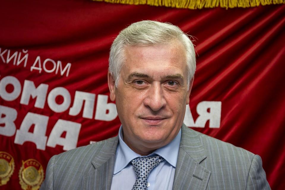 Яков Петрович Силин, ректор Уральского государственного экономического университета.