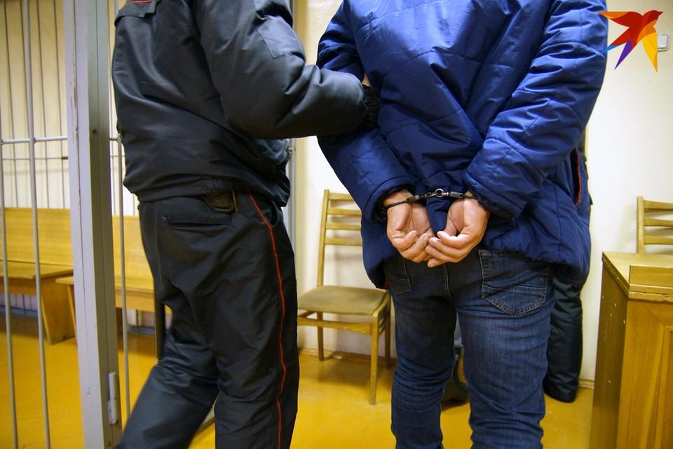 Сам обвиняемый признал свою вину частично и дал показания.