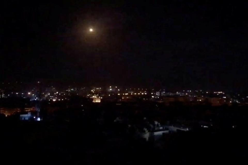 Сирийские ПВО открыли огонь по целям в небе над Дамаском