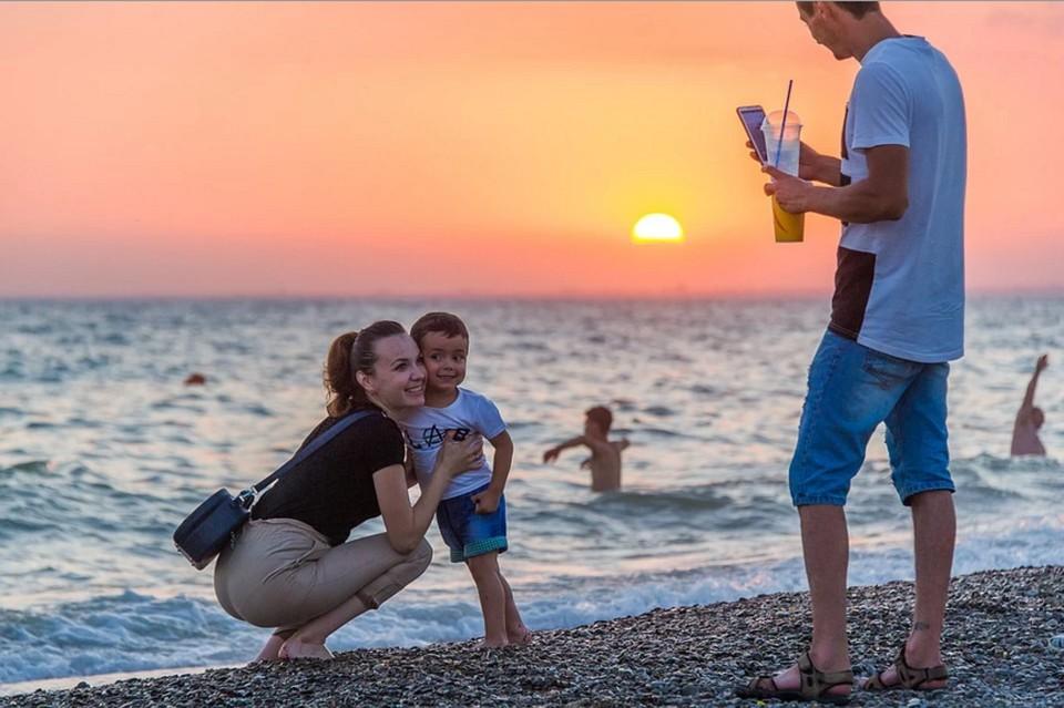 За первую декаду июля в Крыму отдохнули больше 400 тысяч туристов
