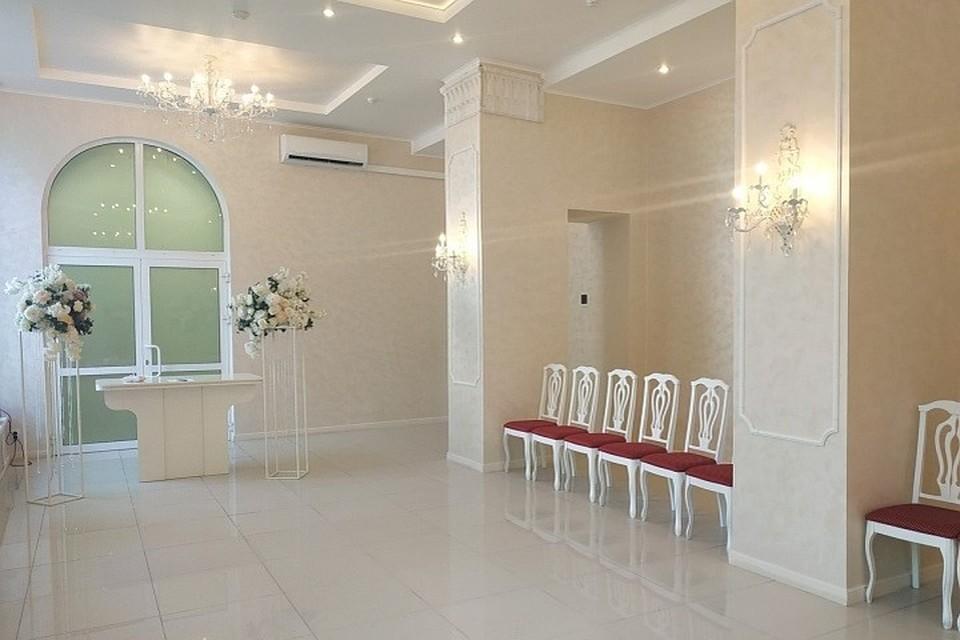 Залы для регистраций стали просторней. Фото: пресс-служба городской администрации.