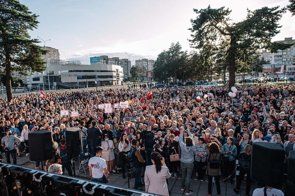 Пикет Тихановской в Борисове собрал, по разным данным, от 2 до 5 тысяч человек. Фото сайта babariko.vision.