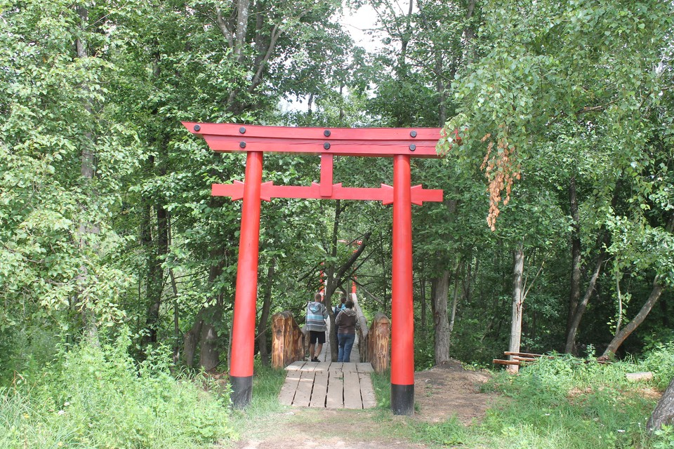 Чтобы пересечь Восточный мост, нужно пройти через 12 торий.