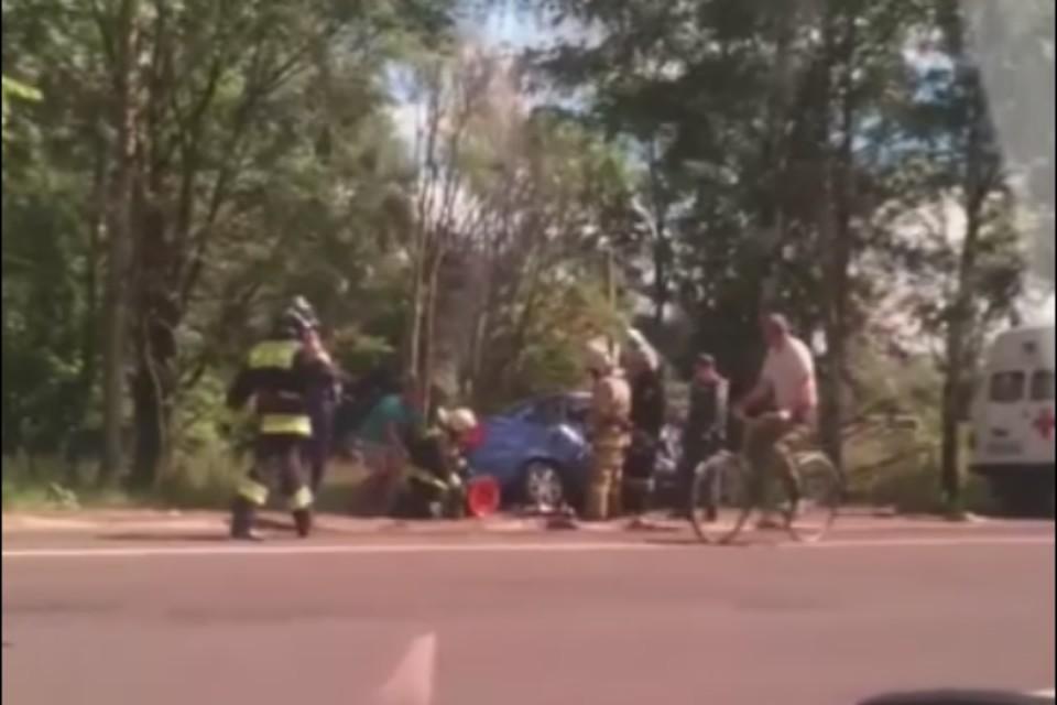 """В ДТП погибла женщина. Скриншот с видео, группа """"Ярославль LIVE"""" ВКонтакте"""