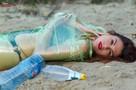 «Иди у нас собери!» Рязанские красавицы устроили фотосессию среди мусора на Борковском карьере