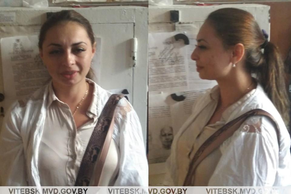 У этой дамы очень ловкие руки и неплохая психологическая подготовка! Фото: УВД Витебского облисполкома.