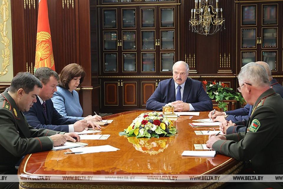Лукашенко собрал во Дворце Независимости срочное совещание с членами Совбеза. Фото: Белта