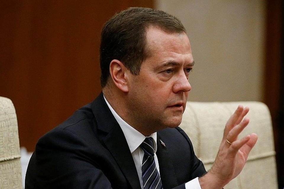 Медведев предложил ужесточить меры за действия трудовых мигрантов