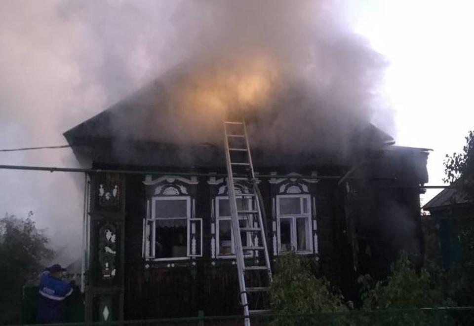 «Дом сгорел полностью»: В страшном пожаре под Нижним Новгородом погибли двое пенсионеров.