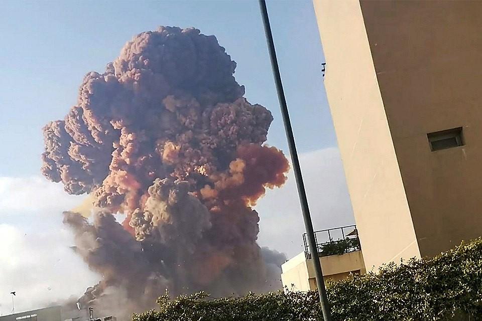 Мощный взрыв случился в Бейруте 4 августа. Фото: REUTERS