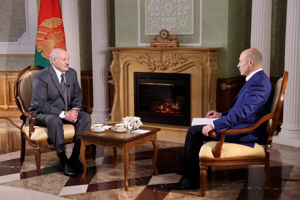 Президент Белоруссии Александр Лукашенко и украинский журналист Дмитрий Гордон