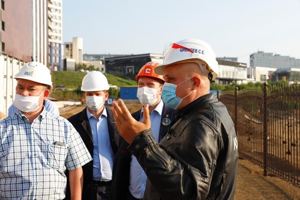 Губернатор показал, как продвигается строительство важнейших объектов Кузбасса. ФОТО: пресс-служба АПК.