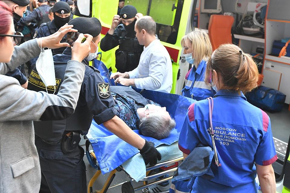 """Ранее медики """"скорой помощи"""" заподозрили у Михаила Ефремова предынфарктное или предынсультное состояние и госпитализировали его прямо из здания суда"""
