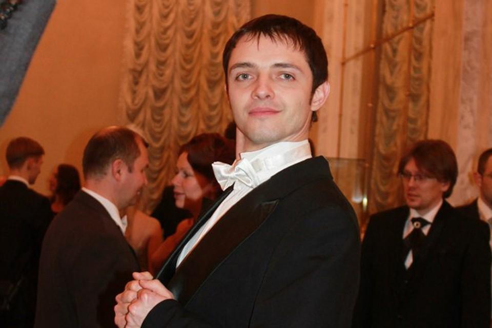 Игорь - интеллигентный образованный человек, учит людей красиво танцевать. Его схватили как преступника... Фото: соцсети