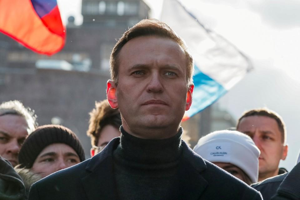 Алексей Навальный находится в омской больнице в состоянии комы.