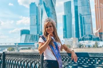 «Возраст сексу не помеха»: 48-летняя победительница конкурса «Миссис Россия» - о работе металлургом, ребенке с ДЦП и секретах счастливой семейной жизни