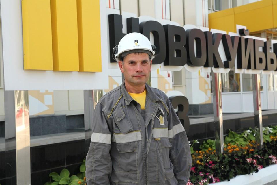 Владимир Голушков убежден: чем дружнее команда, тем выше ее производственные успехи. Фото АО «НК НПЗ»