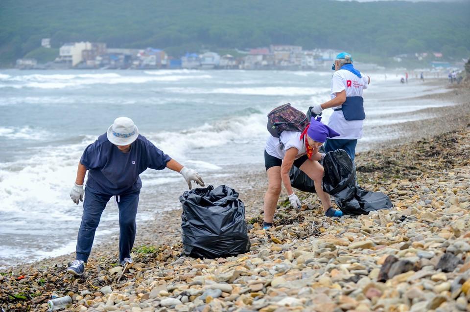 Экологический марафон «Чистый берег» в бухте Щитовая