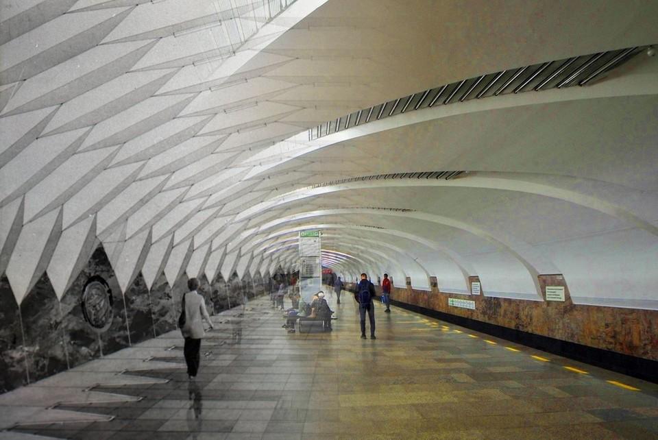 В середине 80-х в Свердловске проводился конкурс среди городских проектных организаций на лучшее оформление станций метро.