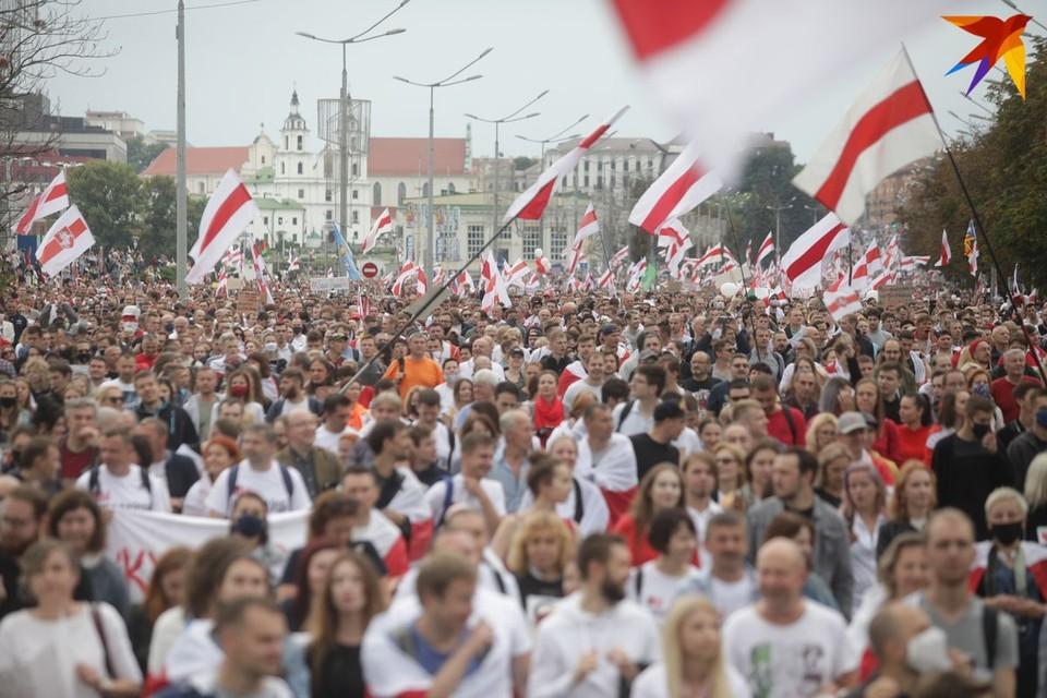 В Минске на уже традиционную акцию протеста вышли десятки тысяч человек.