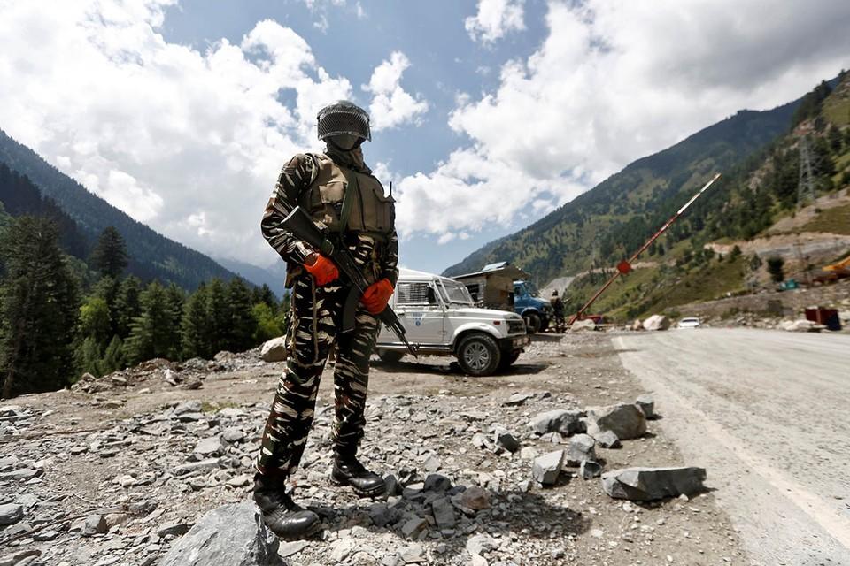 Переговоры глав военных ведомств КНР и Индии прошли в момент очередного приграничного кризиса.