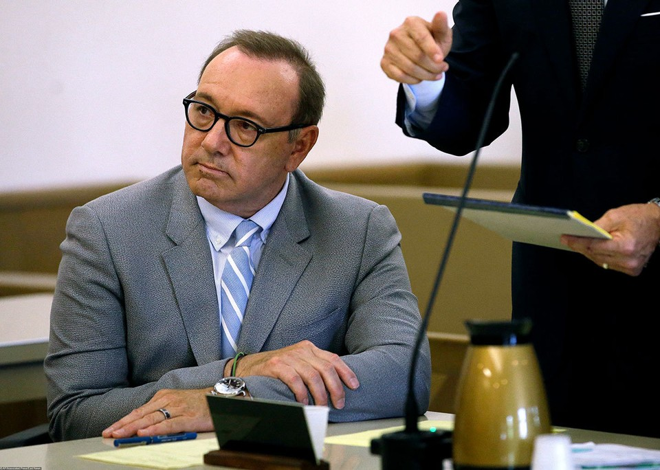 Актер Кевин Спейси на слушании в суде.