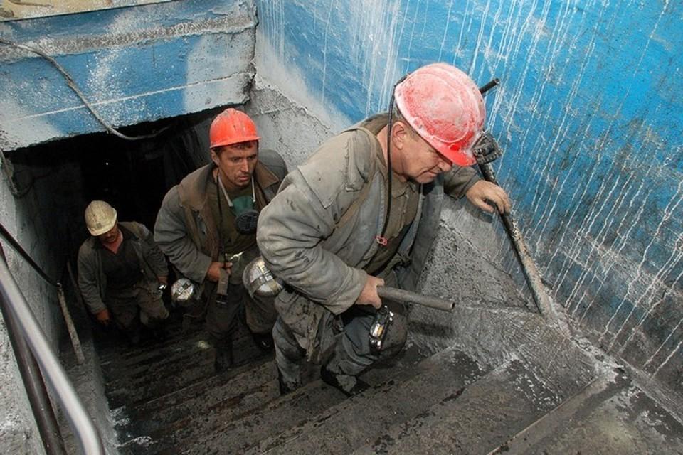 Стали известны имена пострадавших при обрушении на шахте в Кузбассе