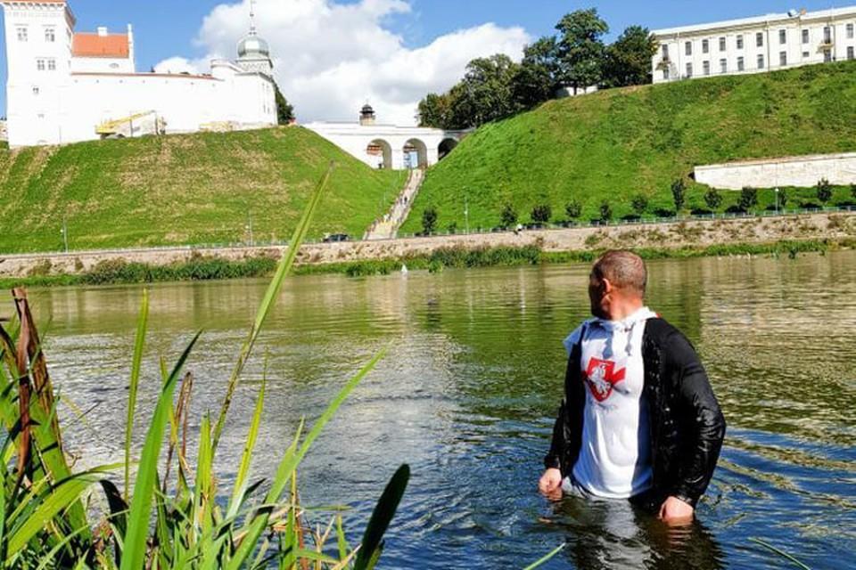 32-летний строитель из Гродно Виктор переплыл Неман. Фото: Hrodna.life