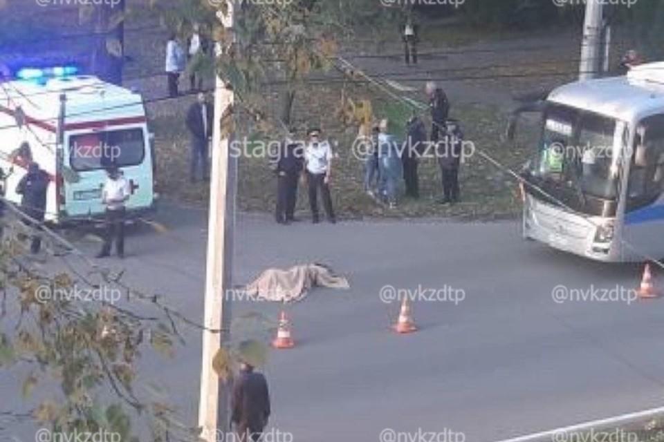 Полиция: подробности смертельного ДТП с пешеходом и автобусом в Новокузнецке. ФОТО: vk.vom, ЧП|ДТП Новокузнецк