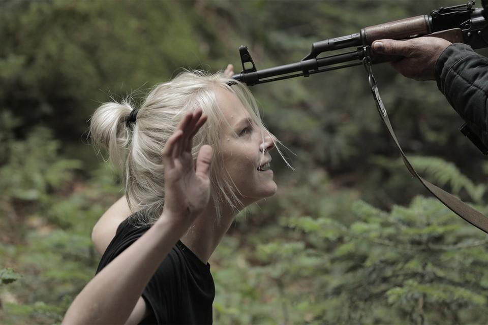 Все влюблены в блондинку из «Игры на выживание»: как триллер ТНТ сделал актрису Линду Лапиньш, много лет игравшую роли второго плана, настоящей звездой