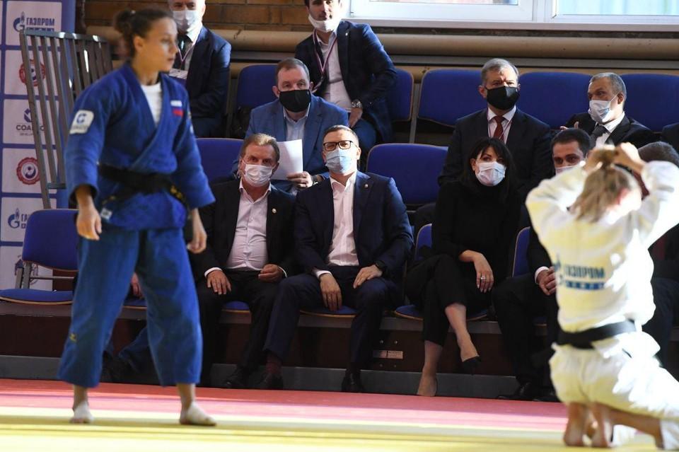 В выходные губернатор с супругой посетил чемпионат УрФО по дзюдо. Фото: пресс-служба губернатора Челябинской области.