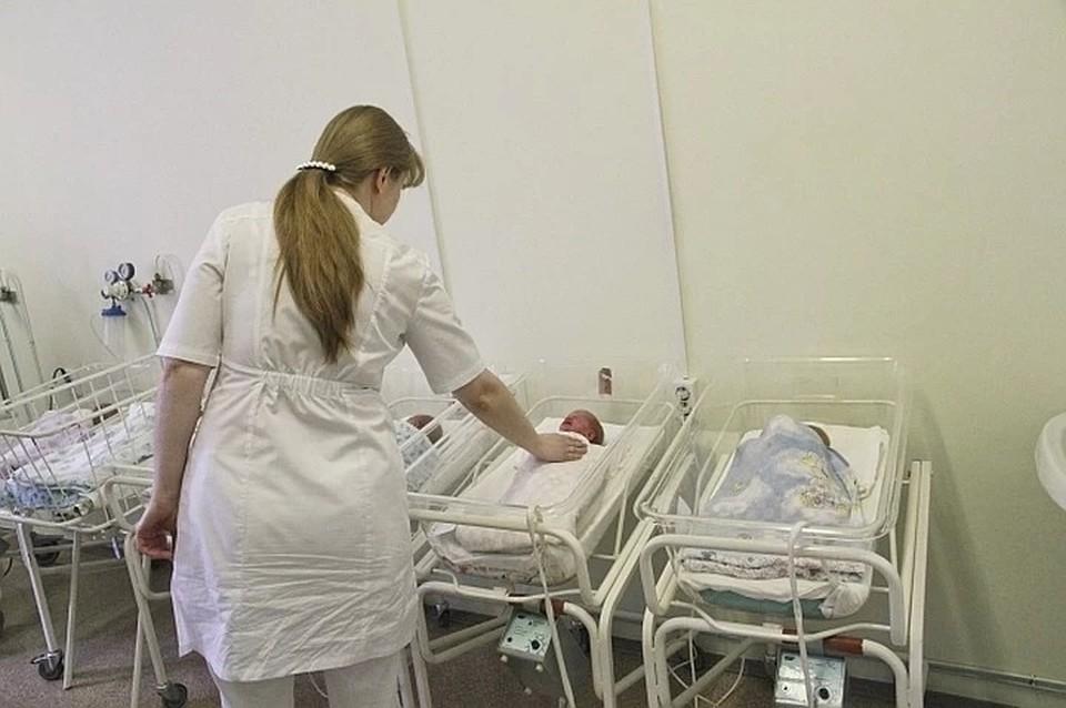 С того момента, как в симферопольском роддоме №2 стали лечить пациентов с коронавирусом, в нем родилось три малыша