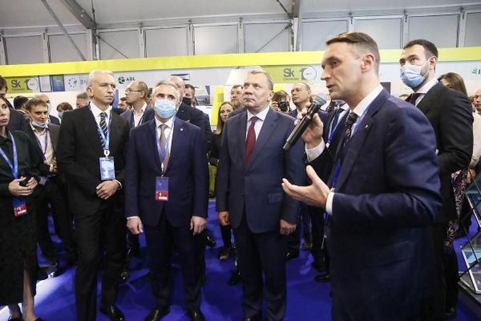 В выставке инноваций участвуют более 60 нефтегазовых компаний и предприятий, производящих продукцию и разрабатывающих технологии для ТЭК. Фото пресс-службы губернатора Тюменской области