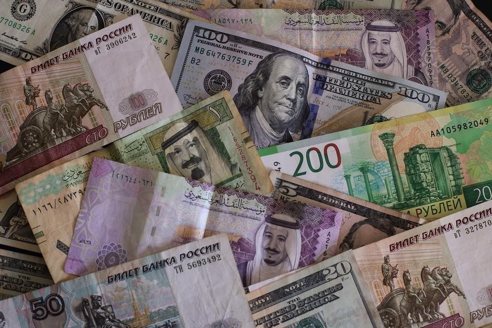 Курс евро на Мосбирже превысил 91 руб. впервые с февраля 2016 года