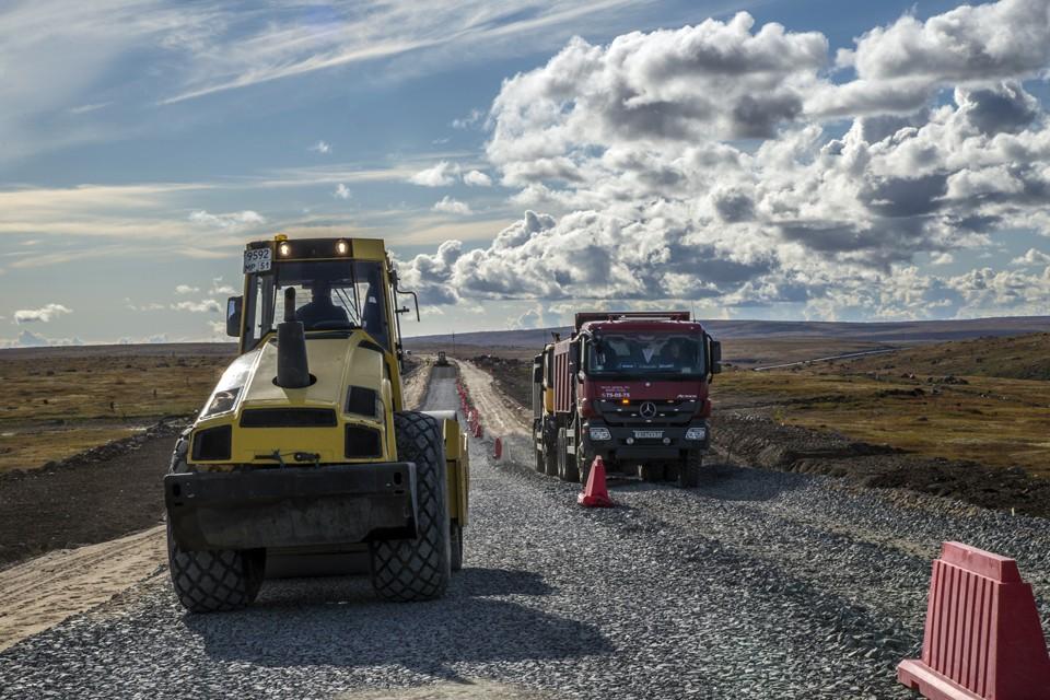 Идет реконструкция автодороги в Териберку.