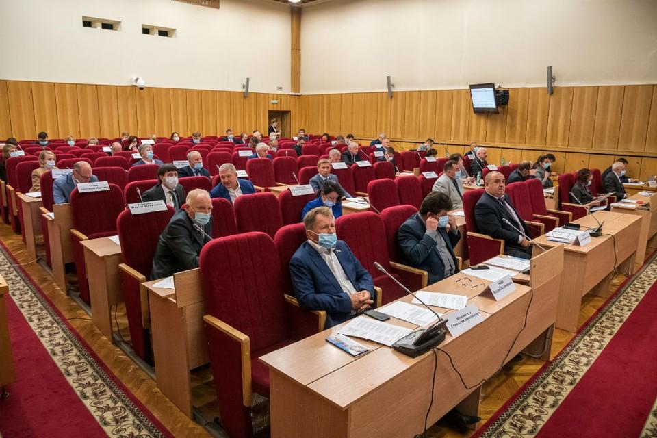 Обращение депутатов будет направлено в Правительство РФ и в Государственную Думу. Фото: zsko.ru