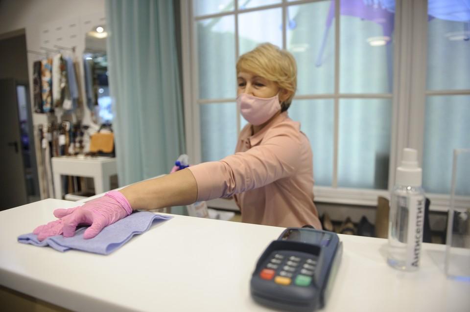 Анна Попова назвала сумму, на которую штрафуют магазины за покупателей без масок