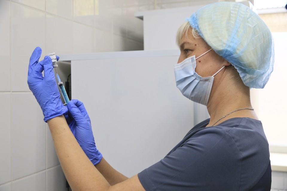 Врач назвал давно известную вакцину, которая даст защиту от коронавируса